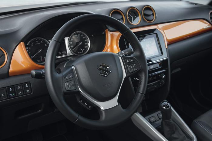 Ratbetjent radio med Bluetooth og aircon er standard i alle udstyrsniveauer