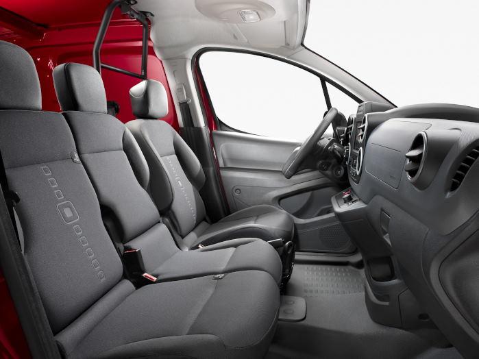 Berlingo kan - ligesom Partner - udstyres med en såkaldt multiflex-sæde som øger brugsværdien, hvadenten det handler om øget plads til passagerer eller gods.