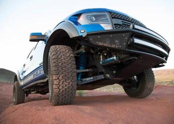 Kontroller dæktrykket hver 14. dag og dæmp farten. Det er godt for sikkerheden, dæksliddet og brændstoføkonomien
