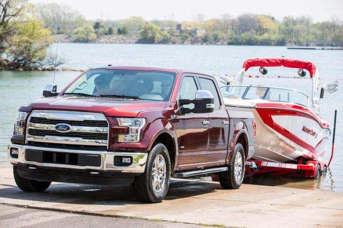Ford's F-150 får nu et elektronisk trick, der kan få dig til at ligne en trailer-champ på bådrampen