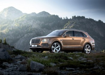 Bentley Bentayga er ikke køn, og navnet er umuligt – men bilen er proppet med overflod