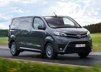 Toyota Proace ligner sit franske ophav med enkelte designforskelle i fornten. Men japanerne har været med på sidelinjen under udviklingen