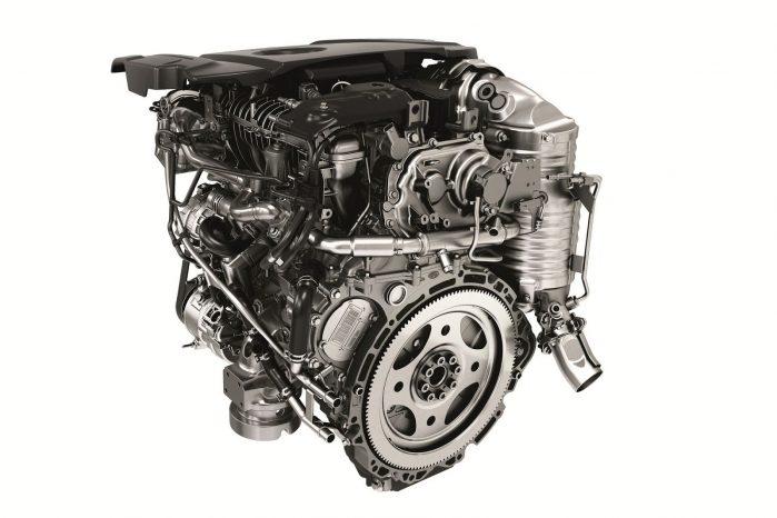 Jaguar Land Rovers egen-udviklede Ingenium dieselmotor er kun på to liter, men yder i Range Rover Sport 243 hk og 500 Nm.