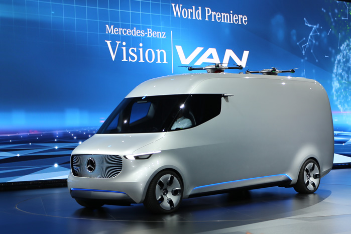 Konceptbilen Vision Van er tydeligvis en fremtids-forestilling om en Sprinter. Læg mærke til de to droner på taget