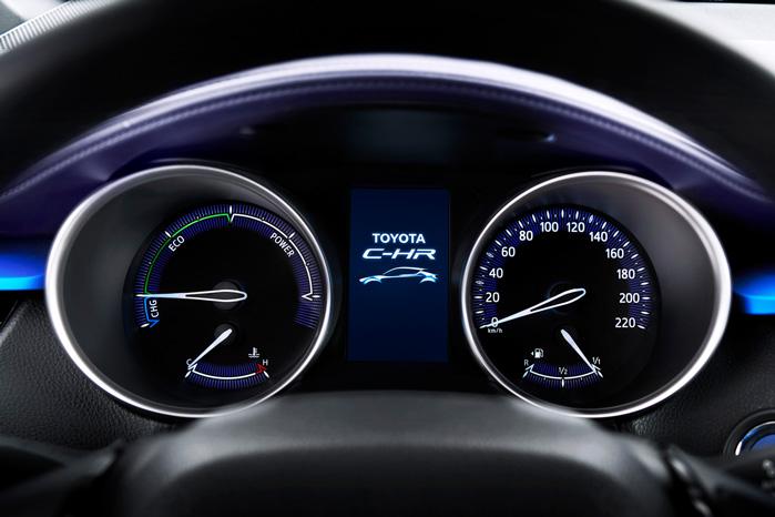 Selve urene er kendt Toyota fra Prius, men alt udenom er nyt
