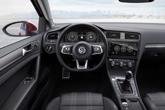 Den ligner sig selv, men betjeningen af den nye VW Golf bliver en helt ny oplevelse