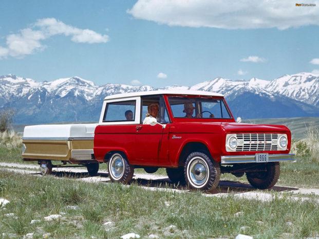 Den originale Ford Bronco blev introduceret i 1966 og er sidenhen blevet en legende.