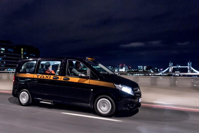 Taxi-versionen er baseret en Mercedes Vito 114 CDI, men teknisk adskiller den sig, fordi den har medstyrende bagaksel.