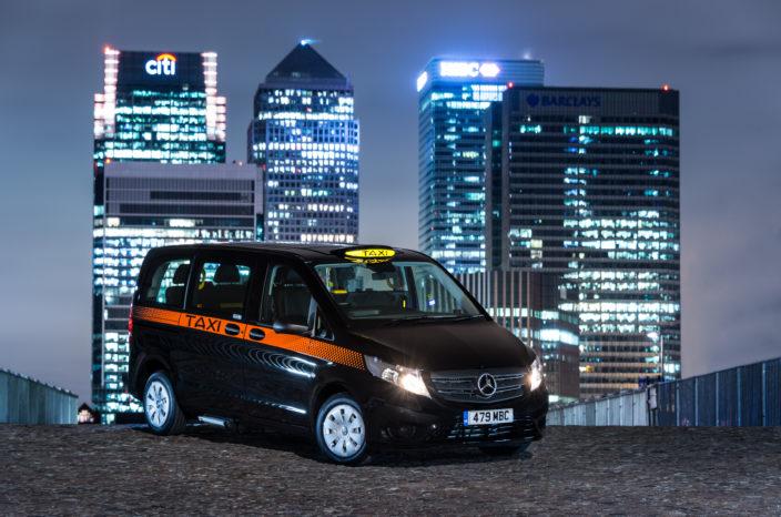 Mercedes lægger sig ud med de helt store. Her er deres bud på en erstatning til den legendariske 'Black Cab' i London.