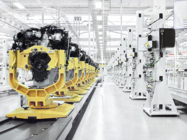 Jaguar Land Rover har ikke oplyst, hvor mange motorer der er blevet stjålet - blot at den anslåede værdi er 25 millioner kr.