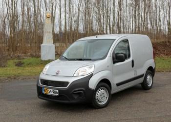 Fiat Fiorino kan ikke komme over 2000 kg og koster derfor 50 procent i registreringsafgift mod 30 procent for de tungere varebiler
