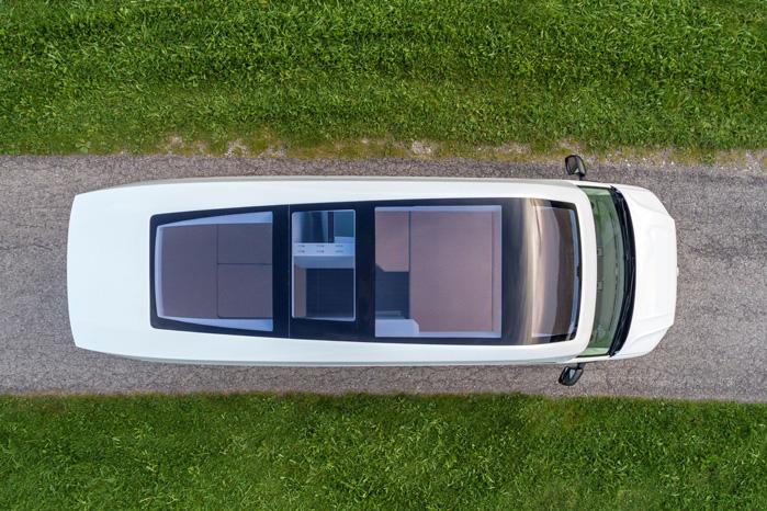 Det kunne være fedt at kigge stjerner fra dobbeltsengen under panorama glastaget i hele bilens længde
