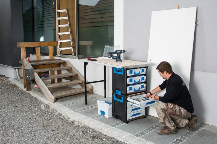 WorkMo er en serie værktøjsreoler, der kan tages med ud på byggepladsen eller med op til kunden