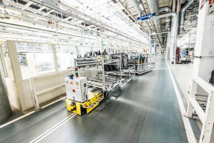 De selvkørende produktionsvogne, AGV'er, har anvendt RFID-teknologi siden 2012