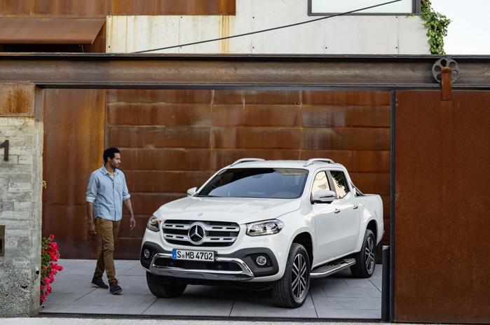 Sådan vil Mercedes-Benz sælge X-Klasse-drømmen. Lidt råt, lidt dyrt og meget casual