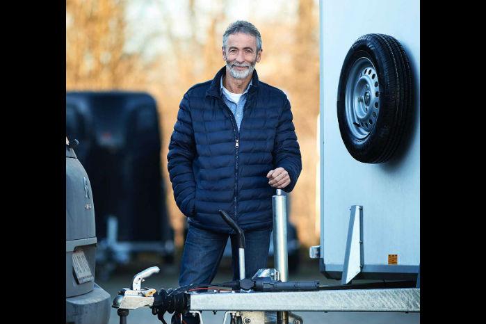 Kurt Nielsen er manden bag Conektcar, der skaber trådløs kontakt mellem bilen og lyset på traileren. Foto: Ricky John Molloy