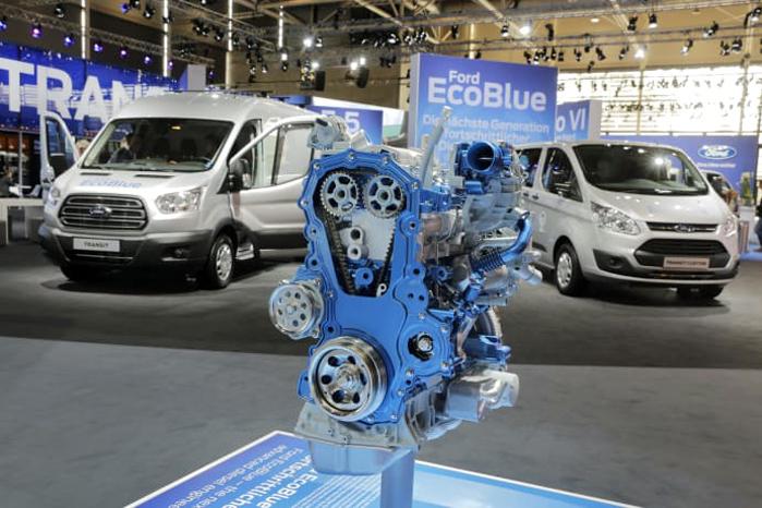 Et månedssalg der nærmer sig 1.000 enheder og en andel på over 25 procent gør Ford til Danmarks suverænt bedst sælgende varebilsmærke