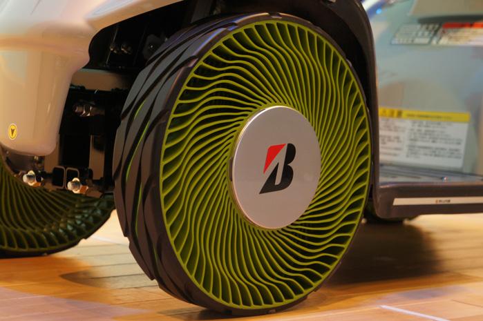 Fremragende Bridgestone opfinder det punkterfri dæk | Alt om varebiler UF07