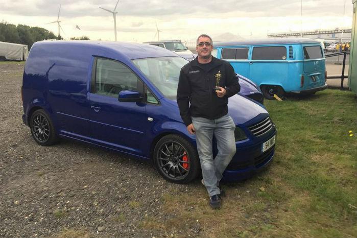 Stephen Gibbons er en flittig deltager i diverse racing-festivaler, og det er blevet til en pokal eller to