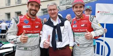 Audi-chef Rupert Stadler (i midten) blev i juni anholdt mistænkt for svindel