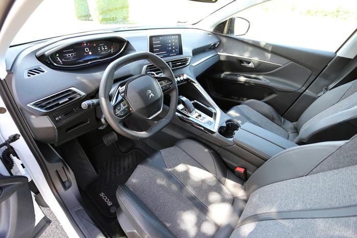 En overraskende sporty kabine i så stor en MPV...øhh SUV