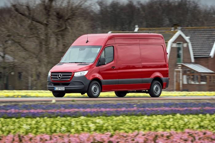 Mercedes-Benz Sprinter udmærker sig med bl.a. et fremsynet kommunikationssystem