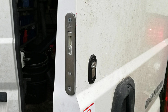 Autolock foretrække de mest simple løsninger, der giver tyven mest muligt besvær med at bryde ind