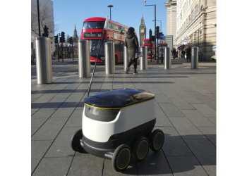 I London kører der allerede forsøgsrobotter fra Starship Robots. Foto: Starship Technologies