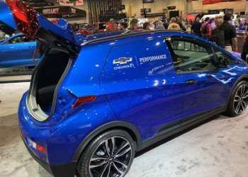 Servicebilen er baseret på en personvognsudgave i farven Kinetic Blue Metallic. Foto: Chevrolet