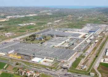Sevel Syd-fabrikken breder sig over 1,2 millioner kvadratmeter og beskæftiger cirka 2600 medarbejdere. Foto: PSA