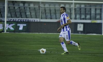 A los 40 años Hugo Campagnaro se retiró del fútbol.