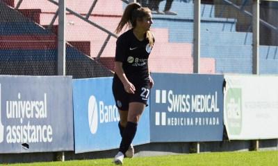 """""""Tora"""" hizo su primera presentación con el conjunto """"azulgrana"""" en la máxima categoría del fútbol femenino de Argentina."""