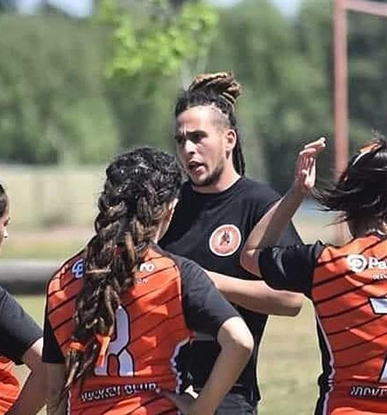Simón Ruano, entrenador del rugby femenino del Jockey Club.