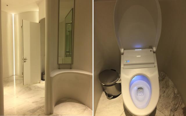 toilets-at-embassy-mall-bangkok-thailand