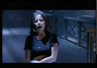 Björk – Play Dead