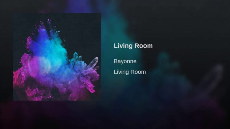 Bayonne – Living Room