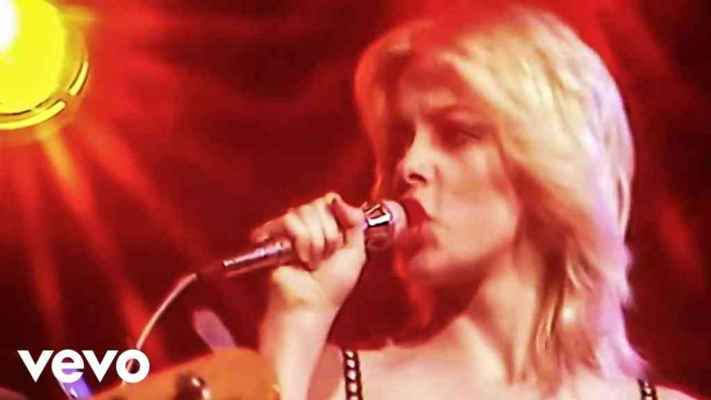 The Runaways – Cherry Bomb