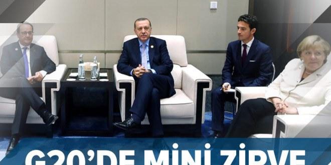 Erdoğan, liderlerle dörtlü zirvede bir araya geldi.