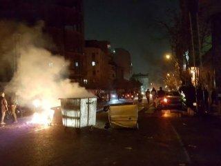 İran'daki gösterilerde 5 kişi daha öldü