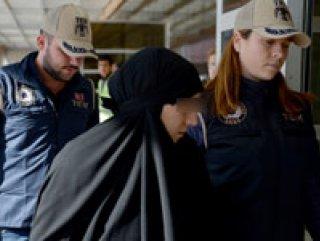 DEAŞ'a katılan kadın, çocuklarıyla teslim oldu