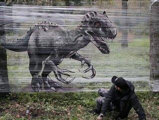Rus graffiti sanatçısı çalışmalarıyla korkuttu