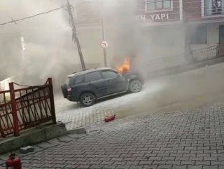 Seyir halindeki cip alev alev yandı