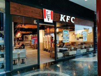 MINI_Carpinteria_metalica_benidorm_villajoyosa_altea_alicante_franquicias_restaurantes_bares_hoteles_P008_KFC_CC_Arena