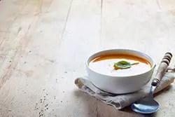 一人暮らし必見! 電子レンジでできる簡単スープレシピ3つ