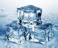 暑い夏に大活躍! 溶けにくくておいしい「氷」の作り方
