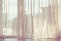 ちゃんとつけてる? 窓にレースカーテンが必要な理由4つ