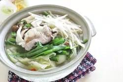シメまで美味しい! ピリ辛風味の坦々鍋