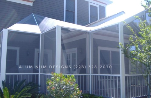 Screen lanai with handrail and pickets