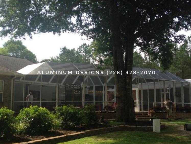 curved aluminum pool enclosure