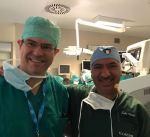 طبيب كويتي يجري بنجاح جراحة دقيقة خلال مؤتمر دولي لأمراض الشبكية بإيطاليا